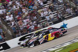 Kasey Kahne, Red Bull Racing Team Toyota et Jimmie Johnson, Hendrick Motorsports Chevrolet
