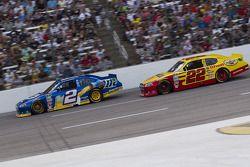Brad Keselowski, Penske Racing Dodge y Kurt Busch, Penske Racing Dodge