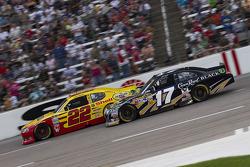 Kurt Busch, Penske Racing Dodge and Matt Kenseth, Roush Fenway Racing Ford