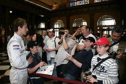 Christian Vietoris Persson Motorsport, AMG Mercedes C-Klasse is talking with fans