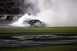 Race winner Matt Kenseth, Roush Fenway Racing Ford celebrates