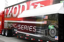 De Indycar Series transporter