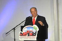 Long Beach burgemeester Bob Foster