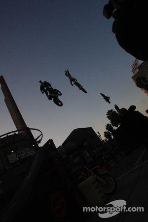 Thunder on Pine, stuntshow