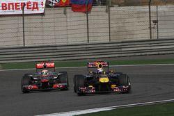 Льюис Хэмилтон, McLaren Mercedes и Себастьян Феттель, Red Bull Racing