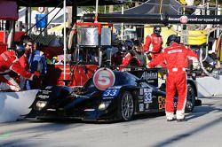 Pitstop #33 Level 5 Motorsports Lola Honda: Scott Tucker, Christophe Bouchut