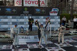 LMPC podium: champagne