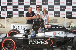 Race winner Mike Conway, Andretti Autosport and family