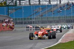 Mirko Bortolotti leads from the strart