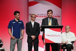 Conferencia de prensa anunciando un contrato de 10 años para traer el MotoGP al nuevo circuito de las Américas a partir de 2013: Ben Spies, Kevin Schwantz y Tavo Hellmund