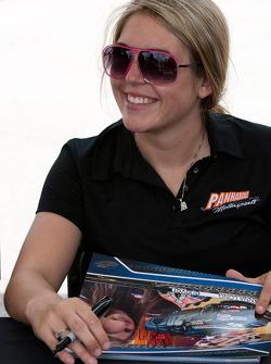 Autograph session: Johanna Long