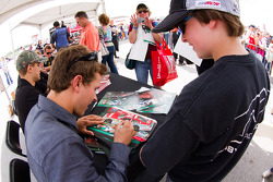 Autograph session: Trevor Bayne