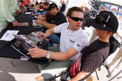 Autograph session: Ricky Stenhouse Jr.