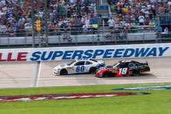 Carl Edwards passes Kyle Busch
