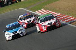 Pepe Oriola Seat Leon 2.0 TDI, Sunred, Gabriele Tarquini, Seat LeonSeat L 2.0 TDI, Lukoil - Sunred a