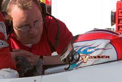 Jimmy Vasser debriefs with a PKV Racing crew member
