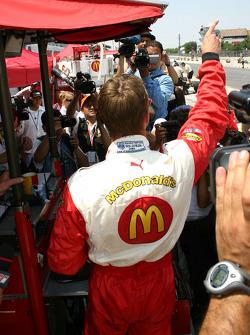 Ganador de la pole Sébastien Bourdais celebra
