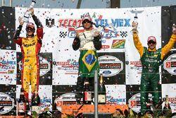 Podio: ganador de la carrera Bruno Junqueira con Andrew Ranger y Alex Tagliani