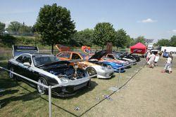 Выставка тюнингованных автомобилей на автодроме имени Жиля Вильнёва в Монреале