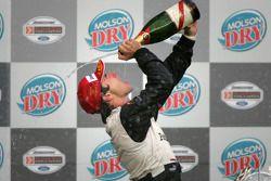 Podium : champagne pour Oriol Servia