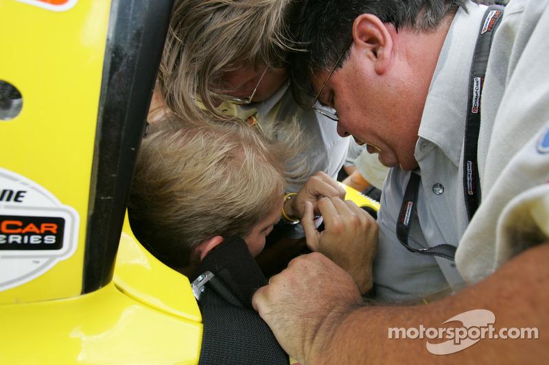 Champ Car 2-seater expérience: un invité se tient prêt