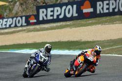 Dani Pedrosa mène devant Jorge Lorenzo