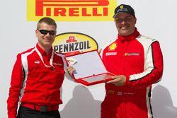 Podium: gentleman driver award voor Jon Becker