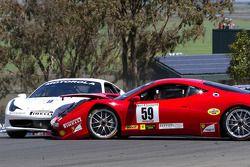 Start: #9 Ferrari of Beverly Hills Ferrari 458 Challenge: Jay Lee en #59 Algar Ferrari Ferrari 458 C