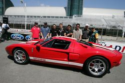 Molson Indy 2005 media event: Jimmy Vasser, Paul Tracy, Timo Glock, Sébastien Bourdais, Oriol Servia, Andrew Ranger and Alex Tagliani pose with the Ford GT pace car for the Molson Indy 2005