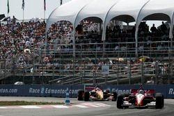 Justin Wilson leads Sébastien Bourdais late in the race