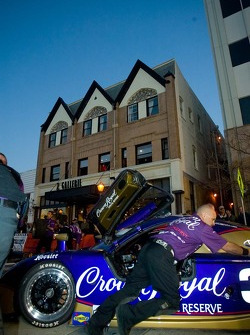 #39 Cheever Racing team in pit stop competition
