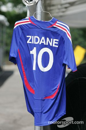 Fan club of Zidane in the Toronto paddock