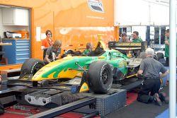La voiture de Will Power à l'inspection technique