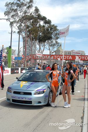 Pole winner Dave Mirra's car on starting grid