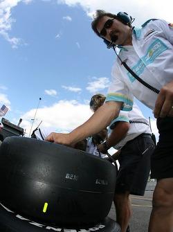 Newman/Haas/Lanigan Racing crew members at work
