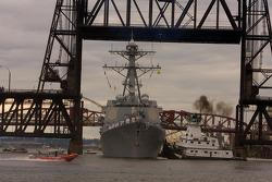 USS Howard Destroyer under Hawthorne Bridge built in 1910