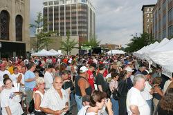 Jackson RaceWeek Festival: fans at autograph session