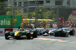 Will Power leads at the start