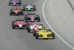 Tomas Scheckter mène le peloton
