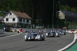Start: #2 Audi Sport Team Joest Audi R18 TDI: Marcel Fässler, Andre Lotterer, Benoit Tréluyer