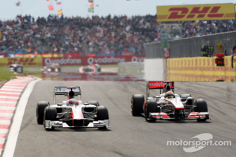 Narain Karthikeyan, Hispania Racing F1 Team, Lewis Hamilton, McLaren Mercedes