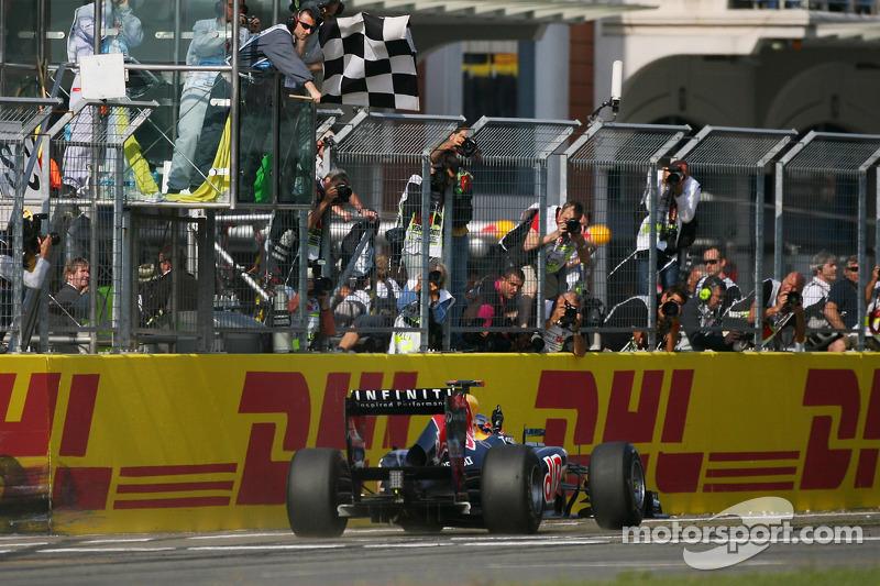 Sebastian Vettel, Red Bull Racing takes flag