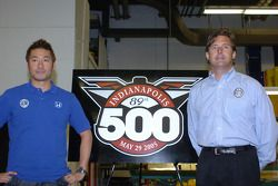 Roger Yasukawa, left, and Dreyer & Reinbold Racing co-owner Robbie Buhl
