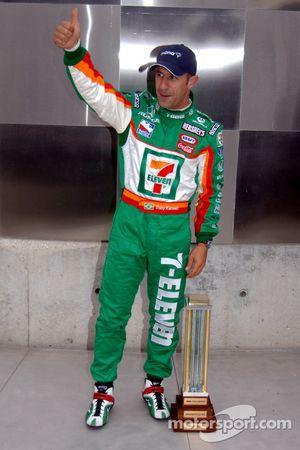 Pole winner Tony Kanaan celebrates