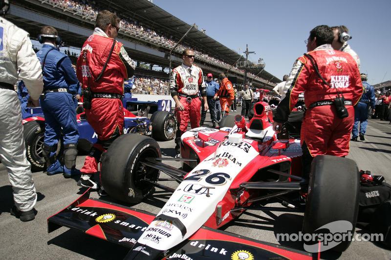 Des mécaniciens d'Andretti Green Racing