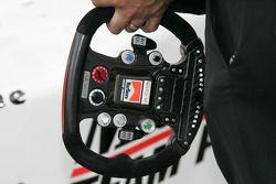 Steering wheel of Helio Castroneves