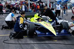 Vitor Meira's crew practices pit stops
