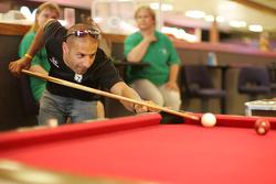 Tony Kanaan plays pool