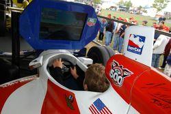 Fans try racing sim