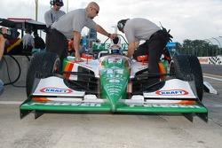 Front of the car of Tony Kanaan